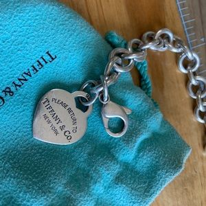 Return to Tiffany Classic Heart Charm Bracelet